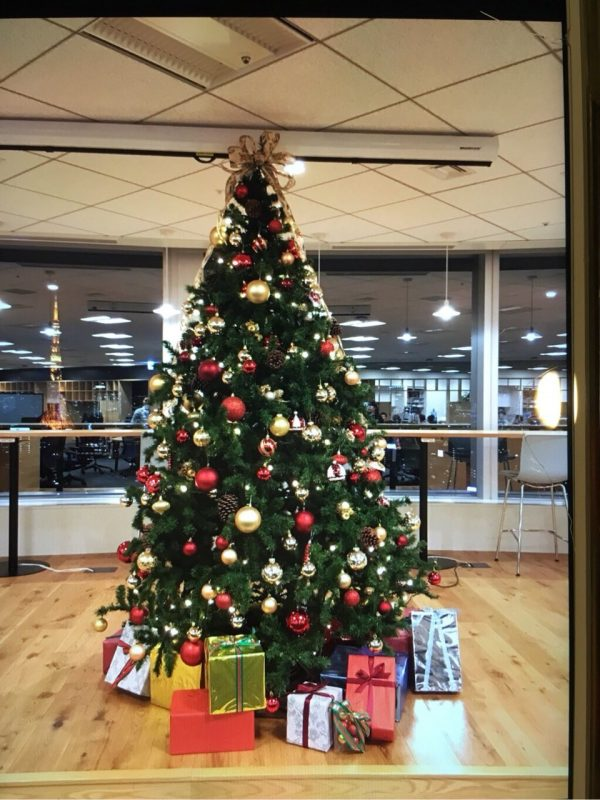 クリスマスツリーをレンタルするなら実績と安心のグリーンロードへ